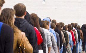 Все больше иностранцев хотят получить вид на жительство в Польше
