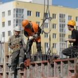 В Польше большинство строительных компаний не могут найти работников