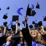 Обучение в каких вузах выбирают студенты в Варшаве? Список самых популярных университетов