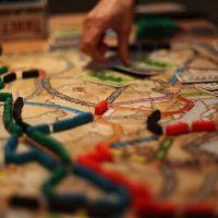 Пассажирам Intercity предлагают скоротать поездку, играя внастольные игры