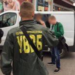 Разоблачили группу лиц, которые «торговали» очередью на границе с Польшей